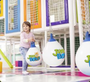 juxxboxx einkaufszentrum shopping center mall contigo indoortainment lizenz indoorspielplatz kinderbetreuung franchise Spielewelt im Einkaufszentrum